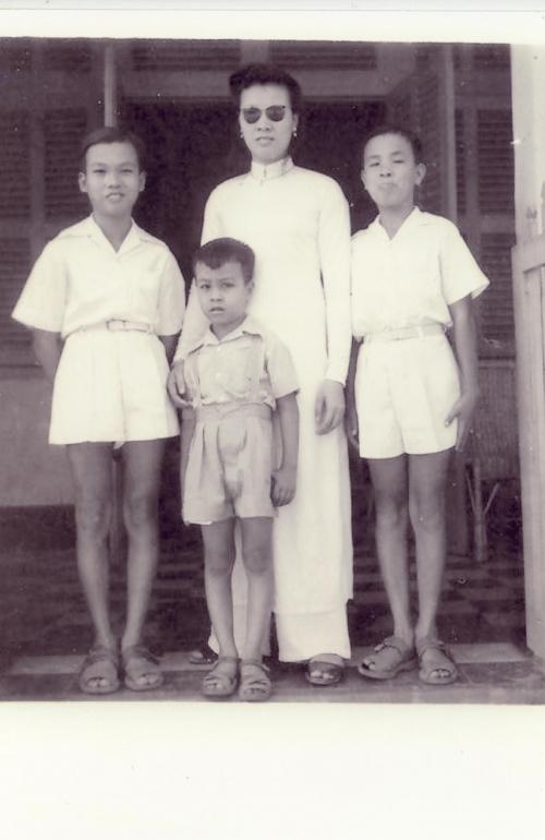 6_chi-dan-3-brothers-at-khanh-hoi_enhenced.jpg